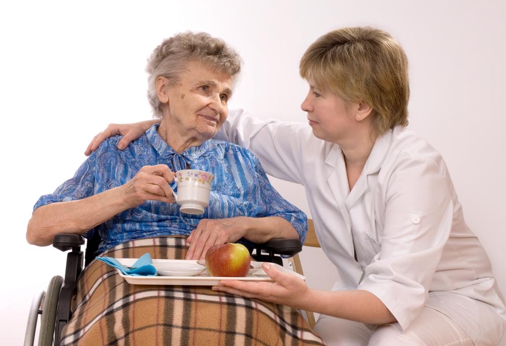 Pečovatelka pomůže s léky i denními úkony