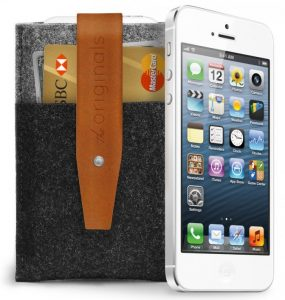 th_iphone_5_wallet_sleeve_and_iphone_originals_collection_large_eshop2_699x737